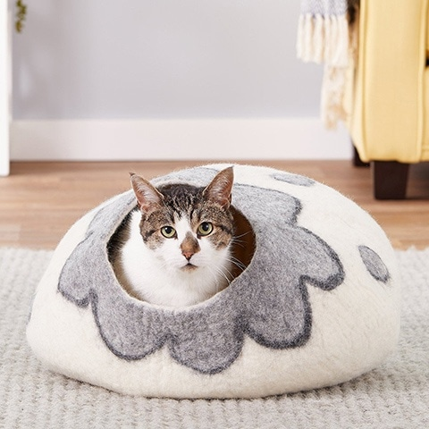 Earthtone Solutions Cozy Wool Cat Cave Bed