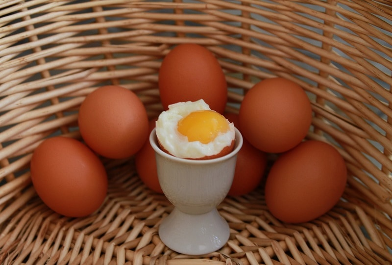 Soft and boiled eggs in basket image in Food and Drink category at pixy.org
