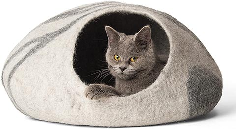 Twin Critters Shark Cat Bed