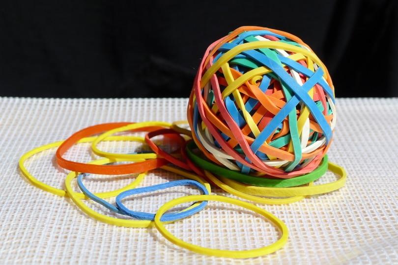 rubber bands_evondue_Pixabay